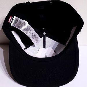 Vans Accessories - Vans x Marvel Venom Black Snapback Hat Adult 5415e6c21c4